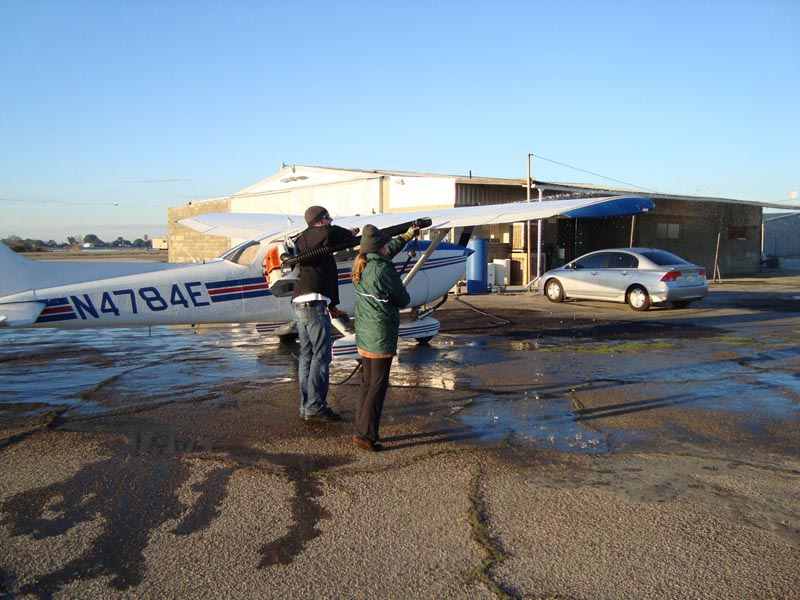 001a-DeIcingPlane_Fresno_20101231.jpg