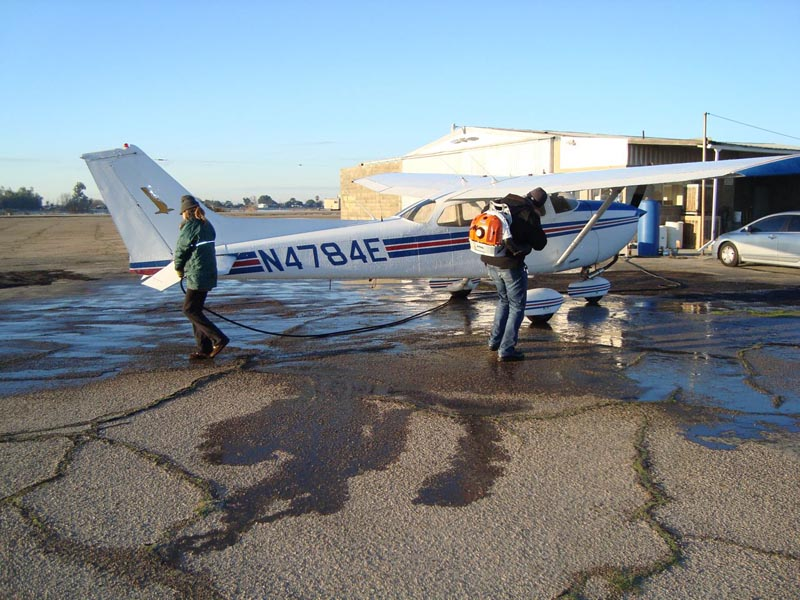 001c-DeIcingPlane_Fresno_20101231.jpg