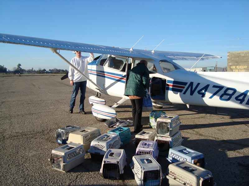 005-LoadingPlane_Fresno_20101231.jpg